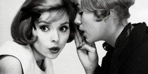 * Whispering .... * 1605148_3_1b80_jeunes-filles-se-chuchotant-a-l-oreille-des-300x150